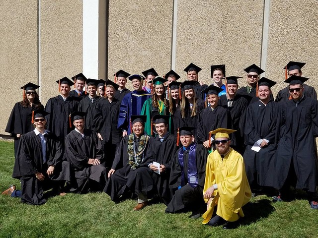 Group of Geoscience students at 2017 graduation ceremony