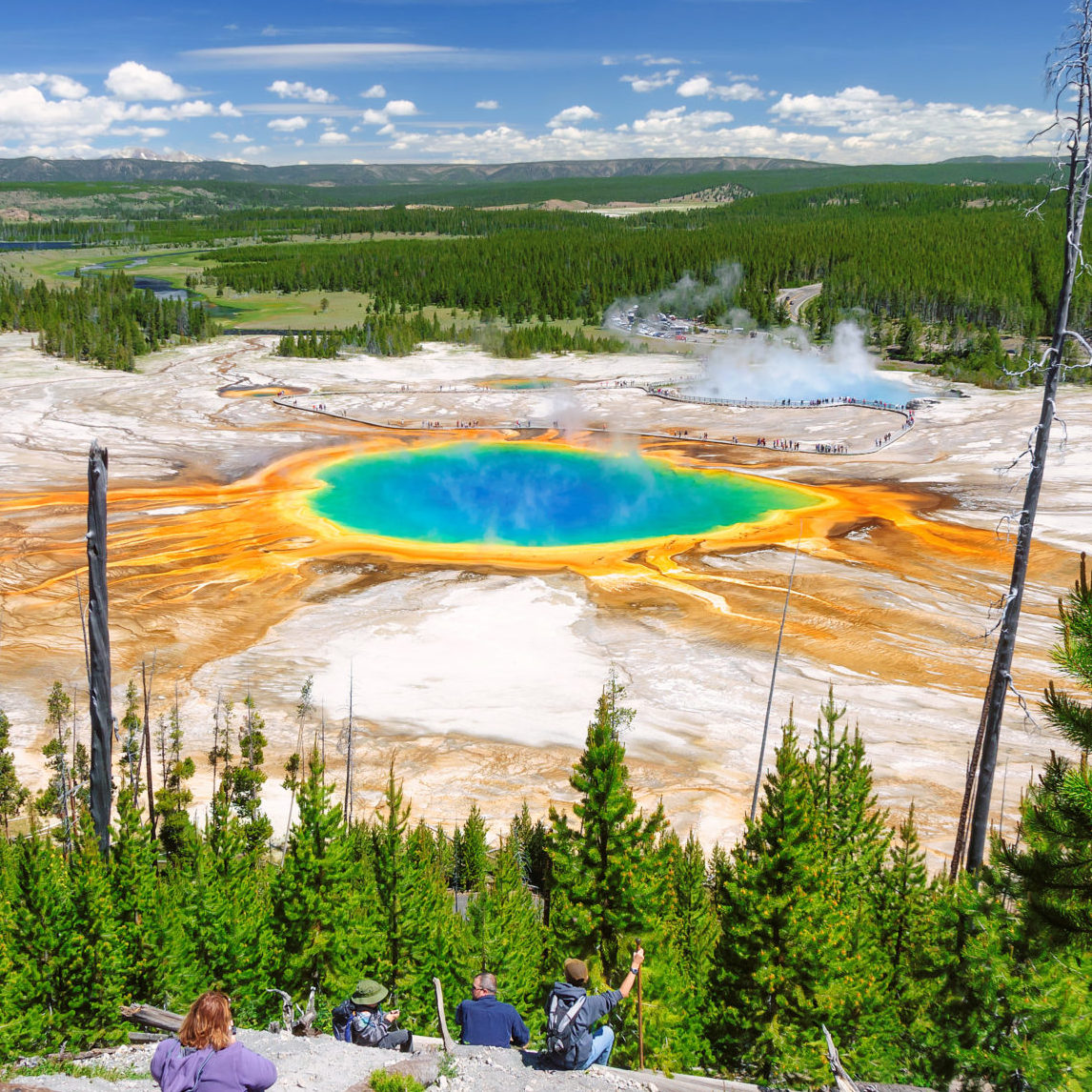 An overlooking picture of the great prismatic spring in Yellowstone National Park